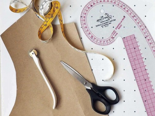 intor to pattern cutting. learn to draft a bodice block