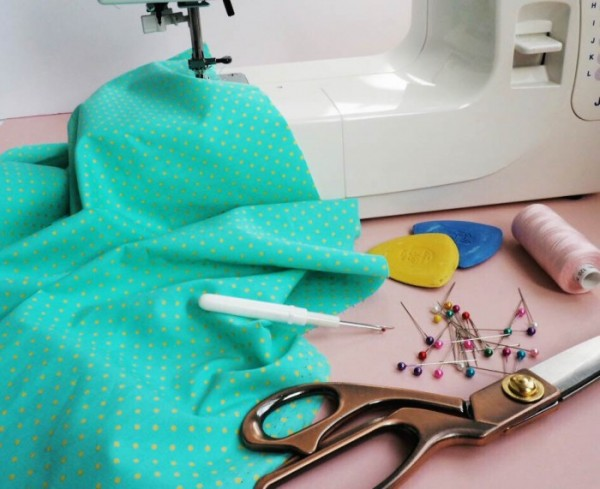 LEARN TO USE A SEWING MACHINE Taster Class SEW IT WITH LOVE I Custom How To Learn To Sew On A Sewing Machine